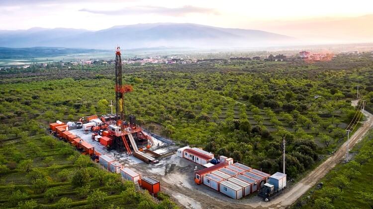 <h4><strong>DRILLING SERVICES THAT MAKE A DIFFERENCE</strong></h4> <p><strong>Pars Anatolian has the capacity to provide drilling services up to 5.000 meters depth in accordance with international standards and best practices.</strong></p> <p>Our inventory comprises minimum 3M pressure control equipment, top quality SCADA controlled solid control systems and high-power, electric mud pump, all sourced from top manufacturers with international renown. Our suppliers include Upetrom, Gardner Denver, NOV, MD Totco, MI Swaco, Jereh and Petrotek.</p> <p>Our rigs were carefully optimized to offer the highest operational flexibility, thanks to greatly reduced mobilization footprint, practical control systems and a simple, no-nonsense design. All of that was taken one step further with clever features such as electric mud pumps for serious fuel cost savings and improved flow control and SCADA controlled solid control systems for easier, more efficient control while drilling.</p> <p>Pars Anatolian drilling rigs also come with an optional GEOTHERMAL MUDLOGGING system, developed by Pars Anatolian. This system automatically logs all fundamental geothermal drilling parameters (i.e. mud inlet & return temperature, salinity, ROP, WOB, line pressures, etc.) and records them digitally in real-time, at a cost significantly below those of conventional mud-logging systems.</p>
